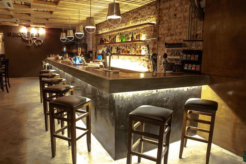 Bar-Interior-Large