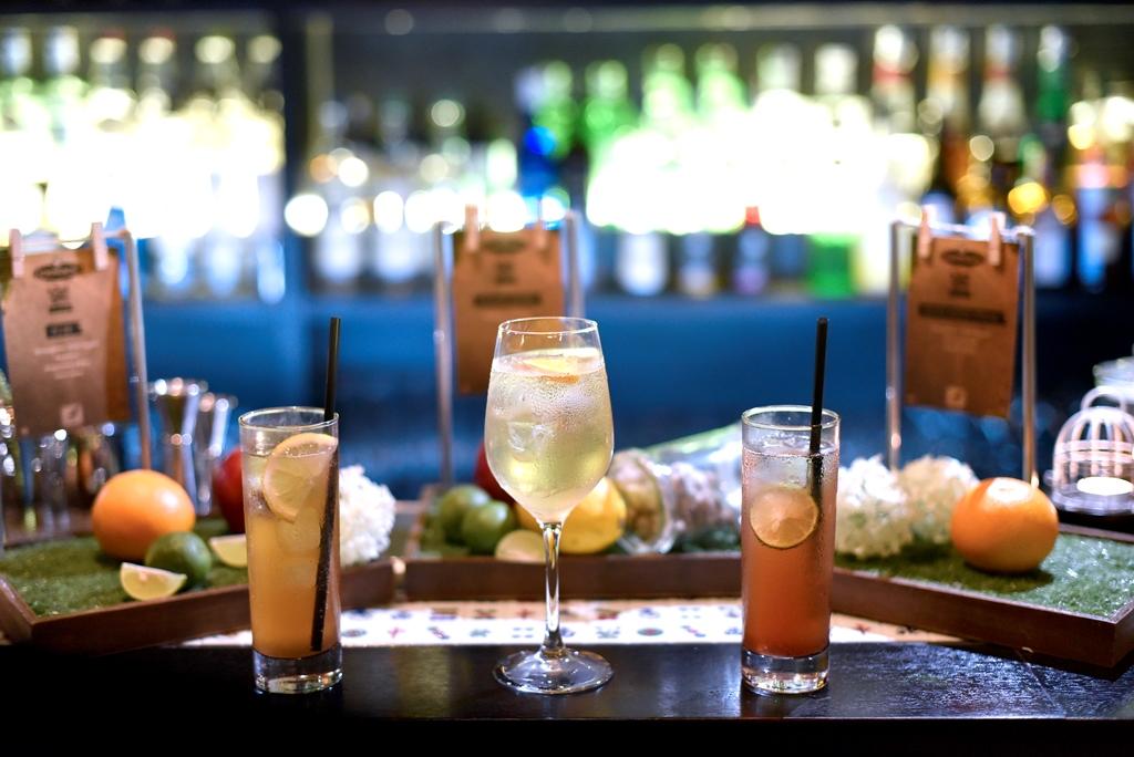 Sparrow Bar